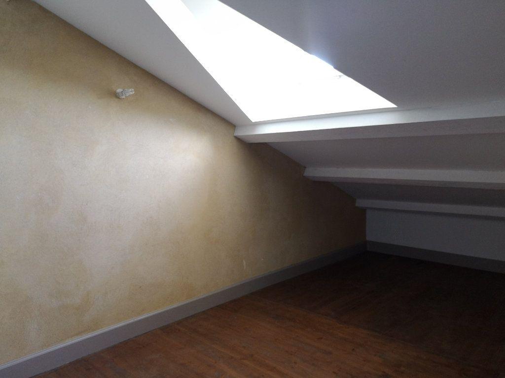 Appartement à louer 3 59m2 à Remoulins vignette-8