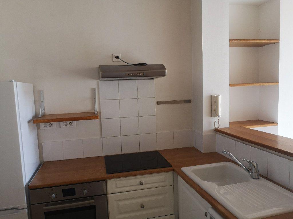 Maison à louer 3 55m2 à Fournès vignette-4