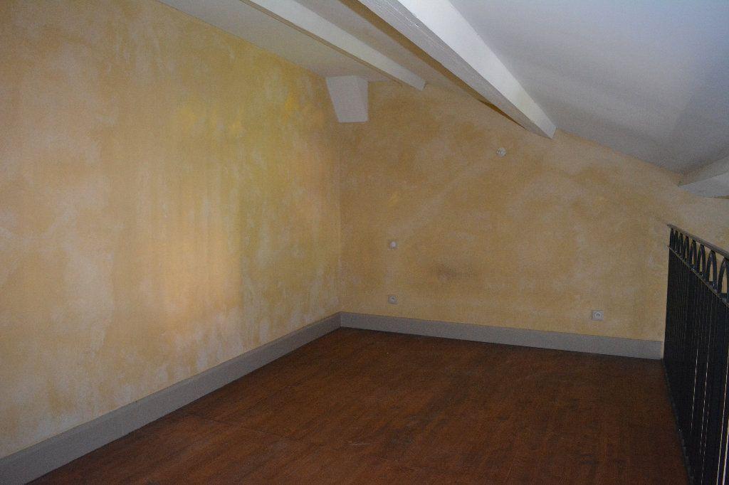 Appartement à louer 2 33.94m2 à Remoulins vignette-4