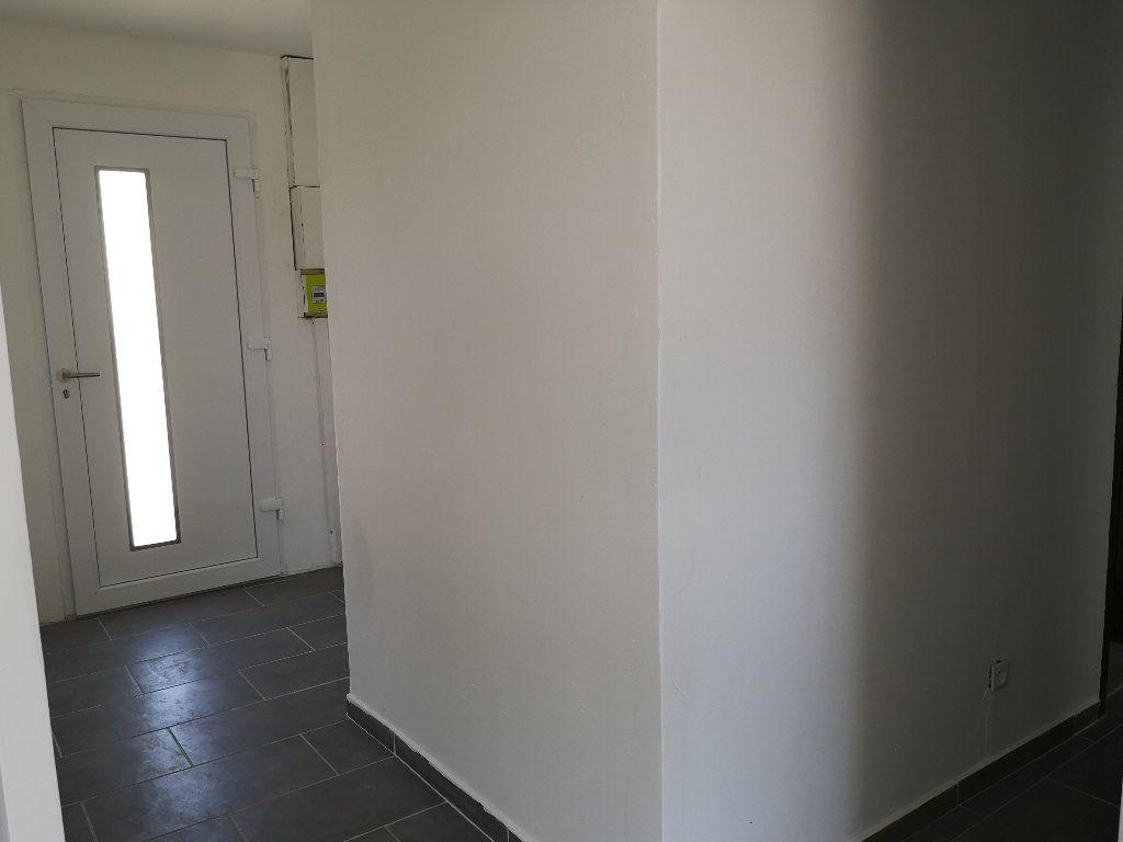 Maison à louer 4 80m2 à Remoulins vignette-6