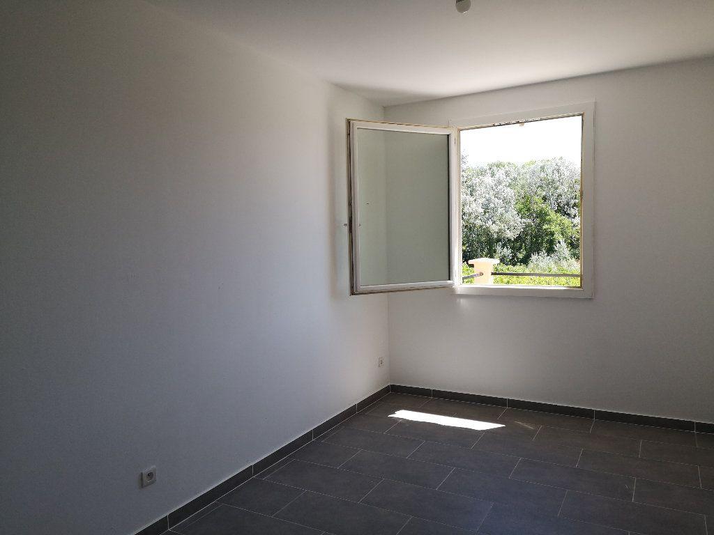 Maison à louer 4 80m2 à Remoulins vignette-9