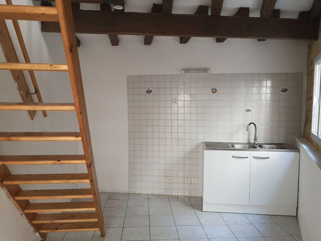 Appartement à louer 2 18m2 à Sernhac vignette-2