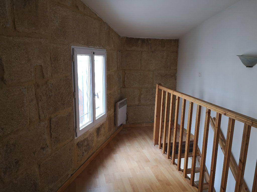 Appartement à louer 2 18m2 à Sernhac vignette-4