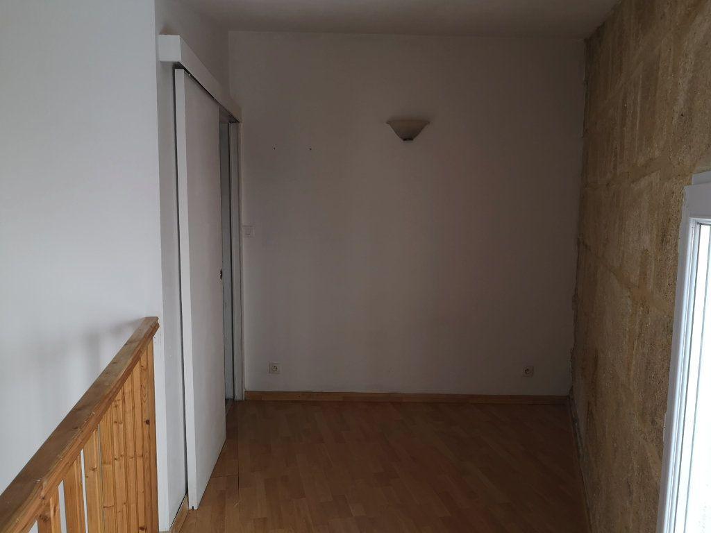 Appartement à louer 2 18m2 à Sernhac vignette-5