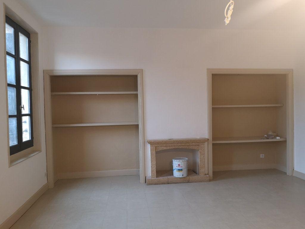 Appartement à louer 4 97m2 à Vers-Pont-du-Gard vignette-2