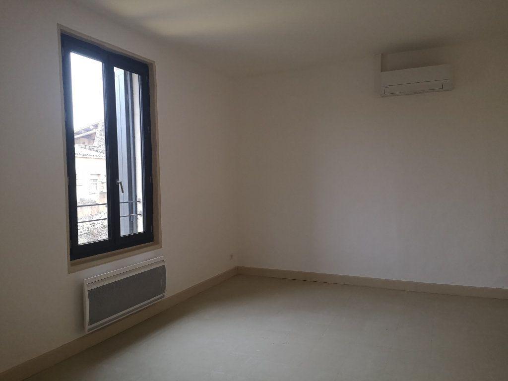 Appartement à louer 4 97m2 à Vers-Pont-du-Gard vignette-6
