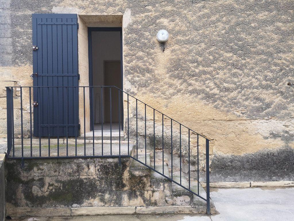 Appartement à louer 4 97m2 à Vers-Pont-du-Gard vignette-11
