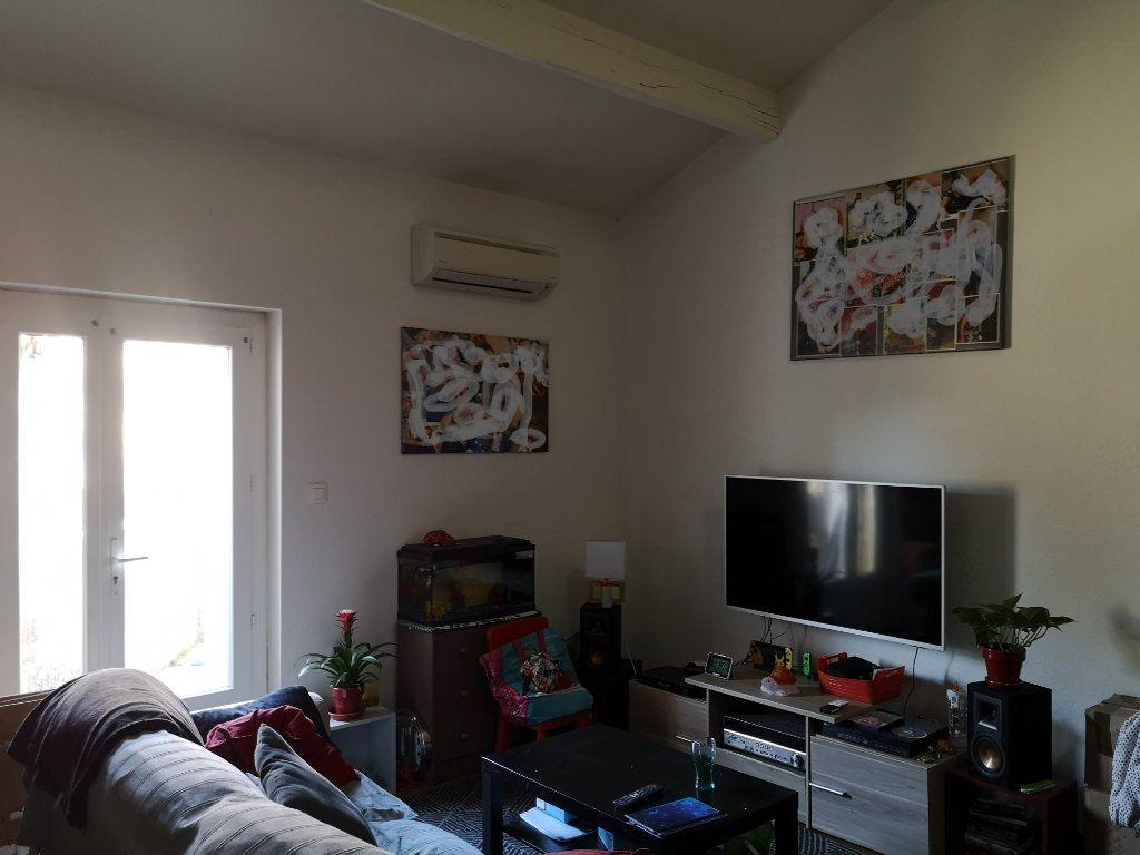 Appartement à louer 4 83m2 à Remoulins vignette-3