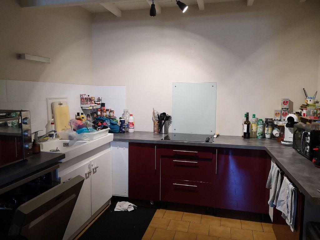 Appartement à louer 4 83m2 à Remoulins vignette-4