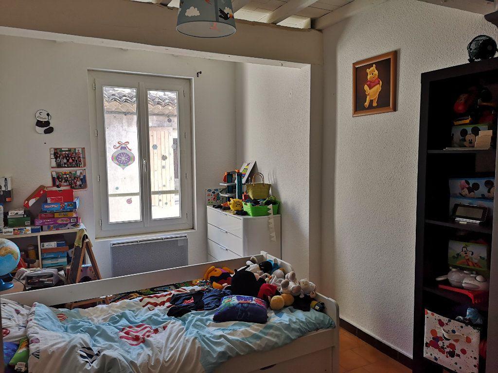 Appartement à louer 4 83m2 à Remoulins vignette-6