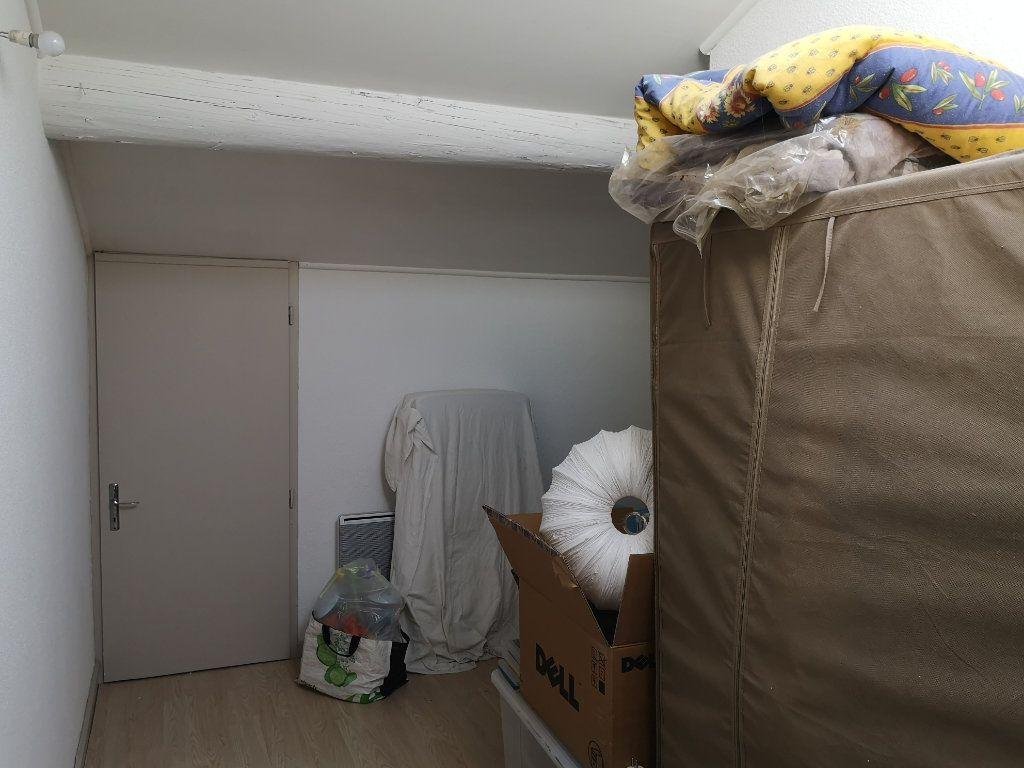 Appartement à louer 4 83m2 à Remoulins vignette-8