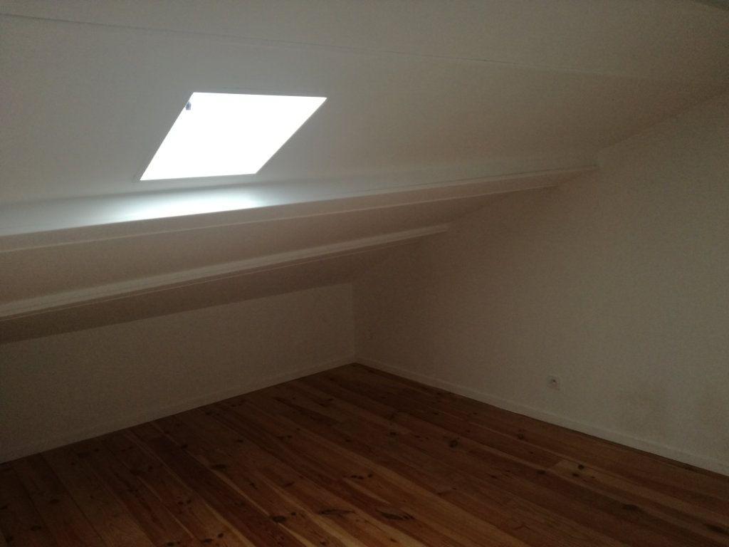 Appartement à louer 4 74.4m2 à Remoulins vignette-5