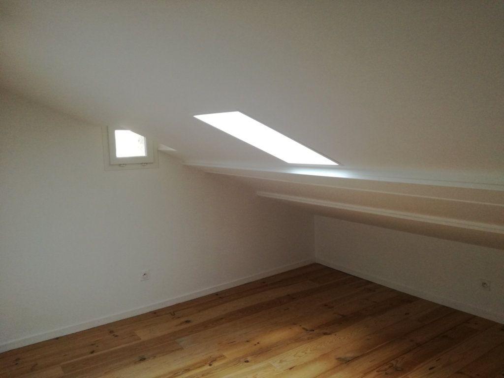 Appartement à louer 4 74.4m2 à Remoulins vignette-6