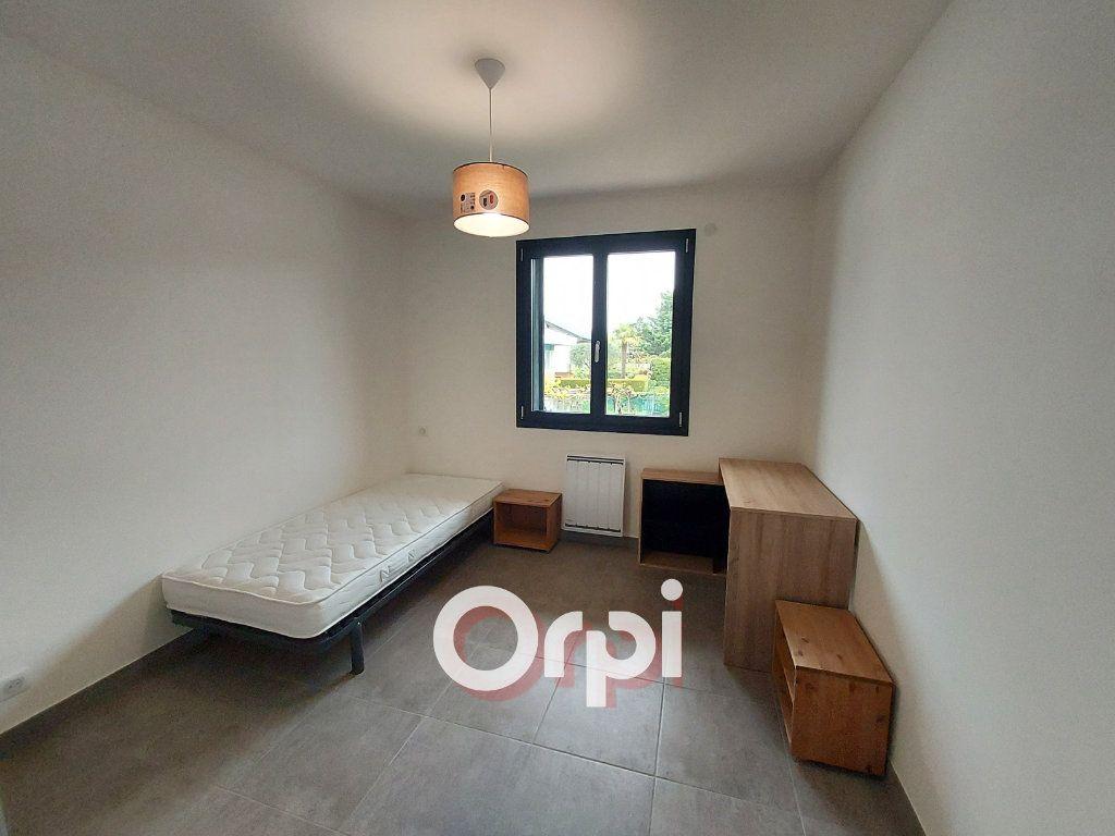 Appartement à louer 3 72.36m2 à Ville-la-Grand vignette-4