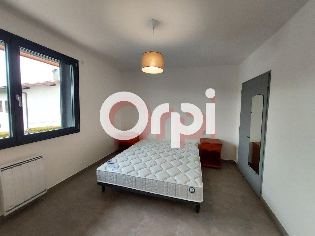 Appartement à louer 3 72.36m2 à Ville-la-Grand vignette-6