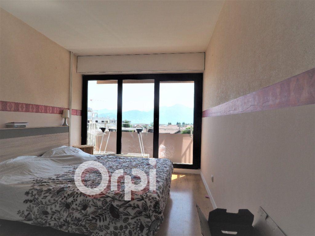 Appartement à louer 4 78.21m2 à La Roche-sur-Foron vignette-4