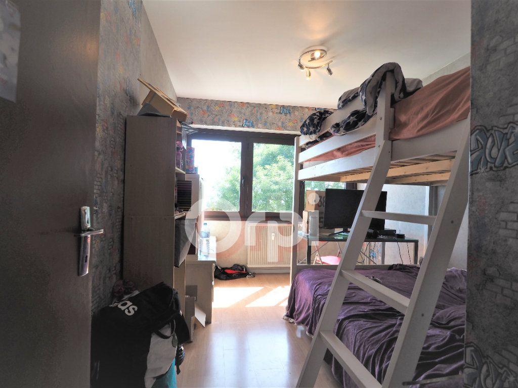 Appartement à louer 4 78.21m2 à La Roche-sur-Foron vignette-5