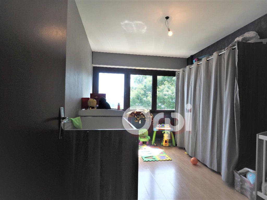 Appartement à louer 4 78.21m2 à La Roche-sur-Foron vignette-6