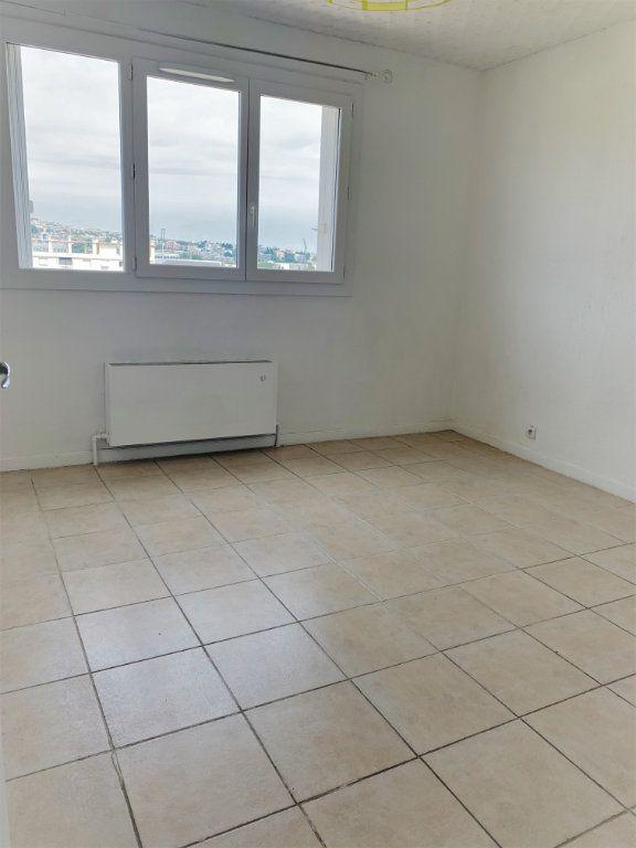 Appartement à louer 2 51m2 à Saint-Laurent-du-Var vignette-1