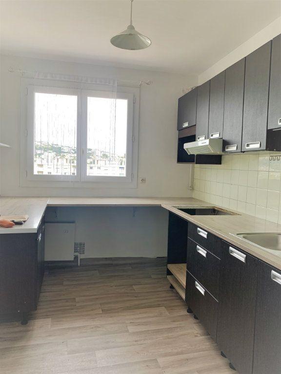 Appartement à louer 2 51m2 à Saint-Laurent-du-Var vignette-5