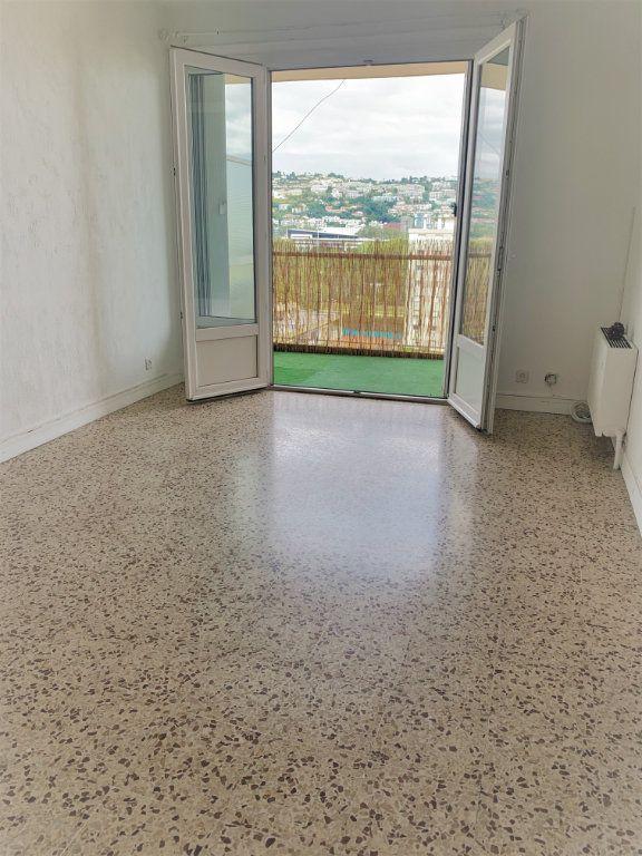 Appartement à louer 2 51m2 à Saint-Laurent-du-Var vignette-6