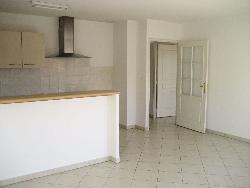Appartement à louer 3 61.4m2 à Cagnes-sur-Mer vignette-5
