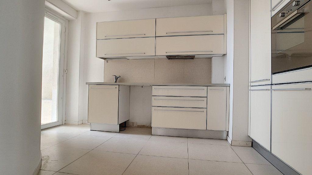 Appartement à louer 3 71.05m2 à Cagnes-sur-Mer vignette-3