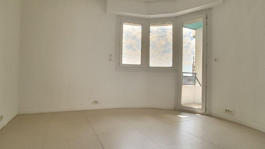 Appartement à louer 3 71.05m2 à Cagnes-sur-Mer vignette-4