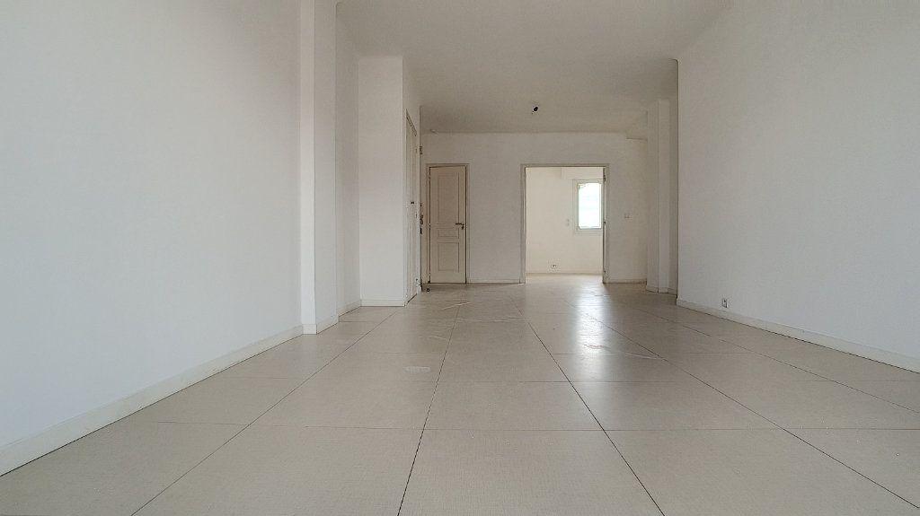 Appartement à louer 3 71.05m2 à Cagnes-sur-Mer vignette-5