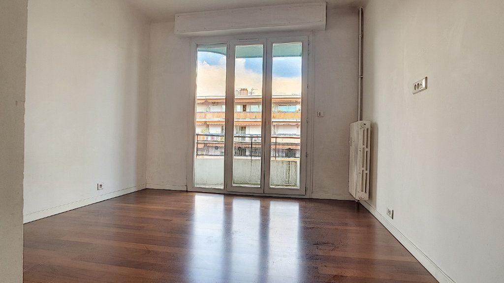 Appartement à louer 3 71.05m2 à Cagnes-sur-Mer vignette-6