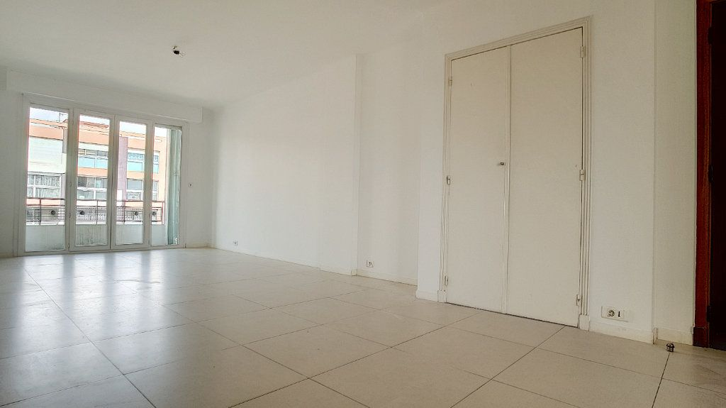 Appartement à louer 3 71.05m2 à Cagnes-sur-Mer vignette-8