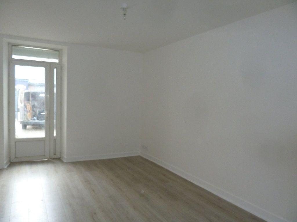 Appartement à louer 1 23.74m2 à Périgueux vignette-2