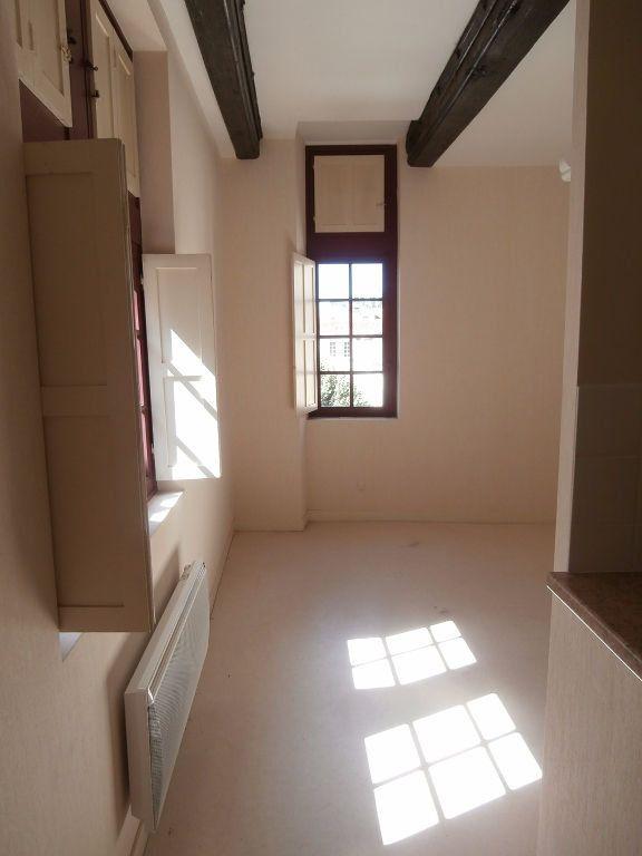 Appartement à louer 3 58m2 à Périgueux vignette-3