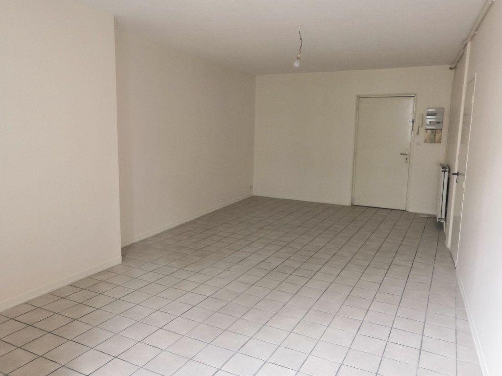 Appartement à louer 1 36m2 à Périgueux vignette-2
