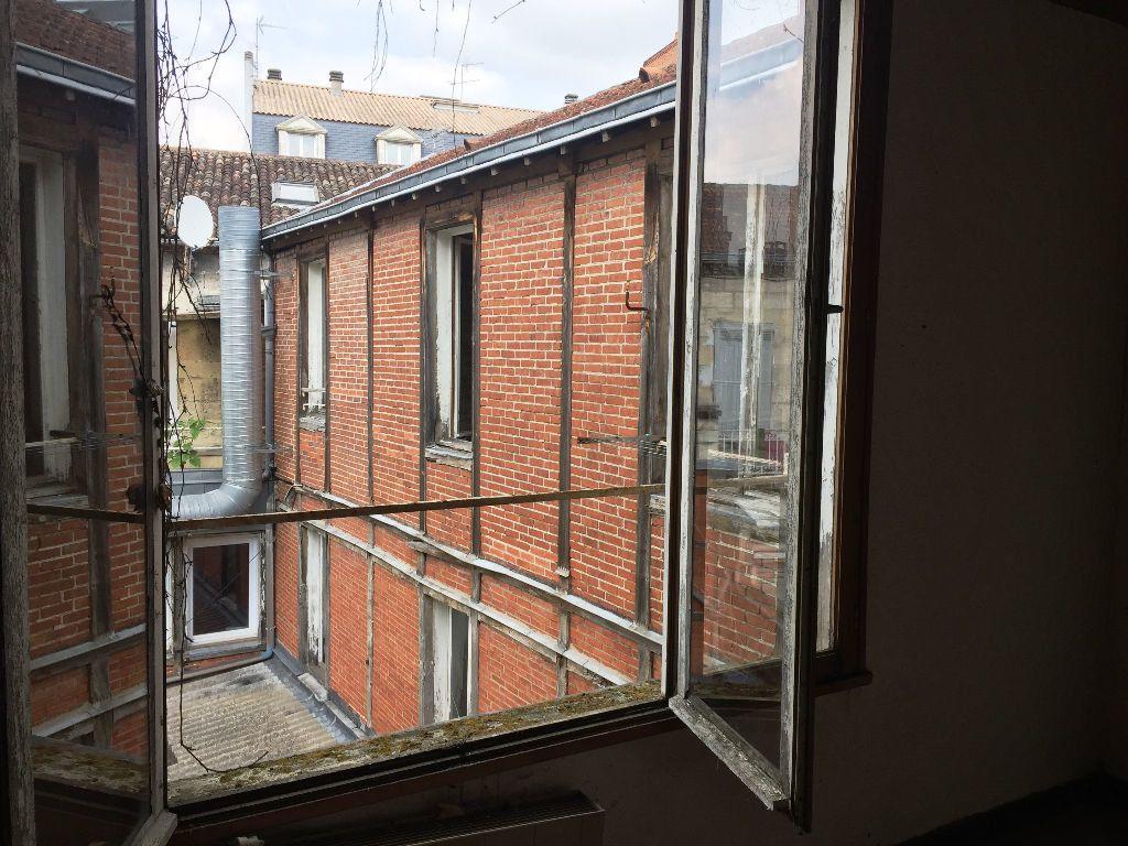 Immeuble à vendre 0 348m2 à Périgueux vignette-2