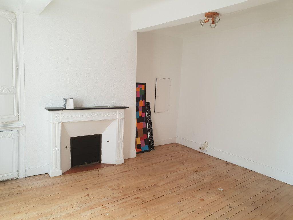Appartement à louer 2 50m2 à Périgueux vignette-1
