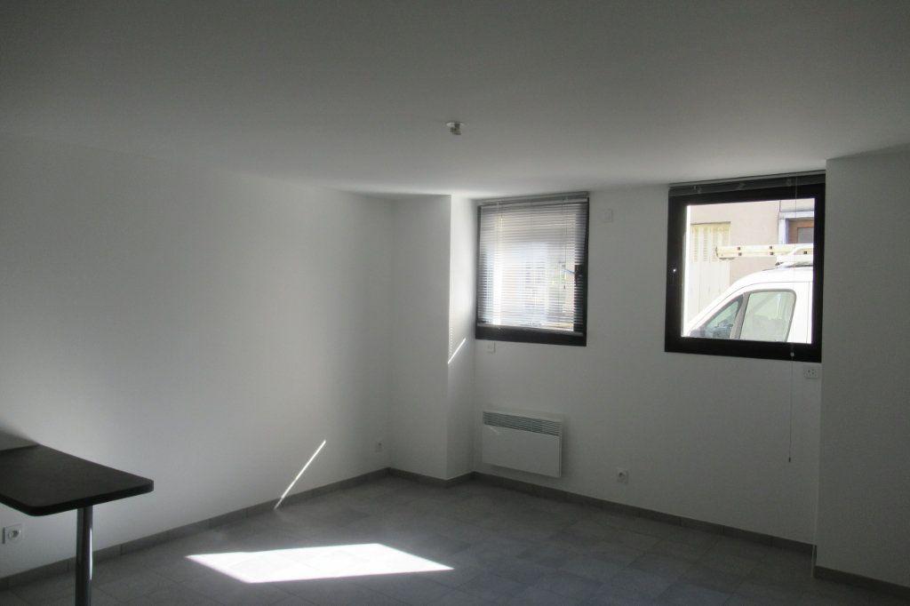 Appartement à louer 2 47.5m2 à Périgueux vignette-2