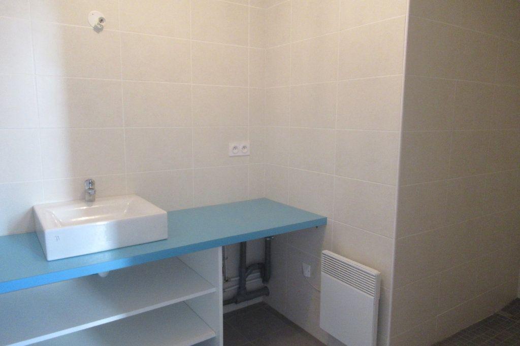 Appartement à louer 2 47.5m2 à Périgueux vignette-4