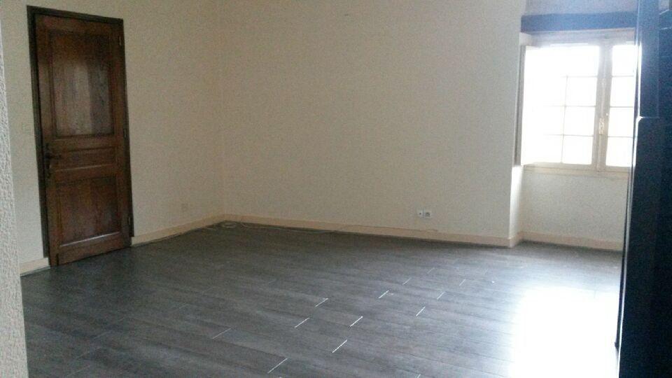 Appartement à louer 3 58m2 à Périgueux vignette-2