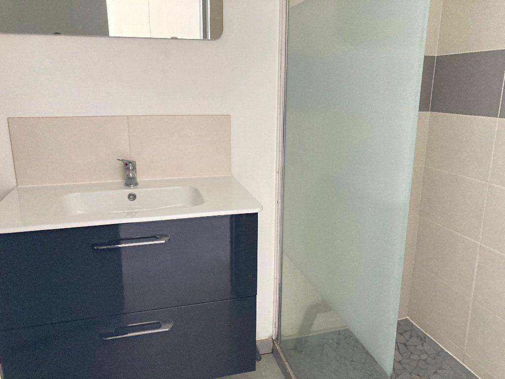 Appartement à louer 1 20.52m2 à Périgueux vignette-3