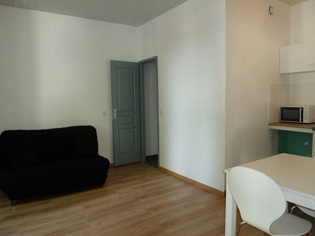 Appartement à louer 1 19.19m2 à Périgueux vignette-1