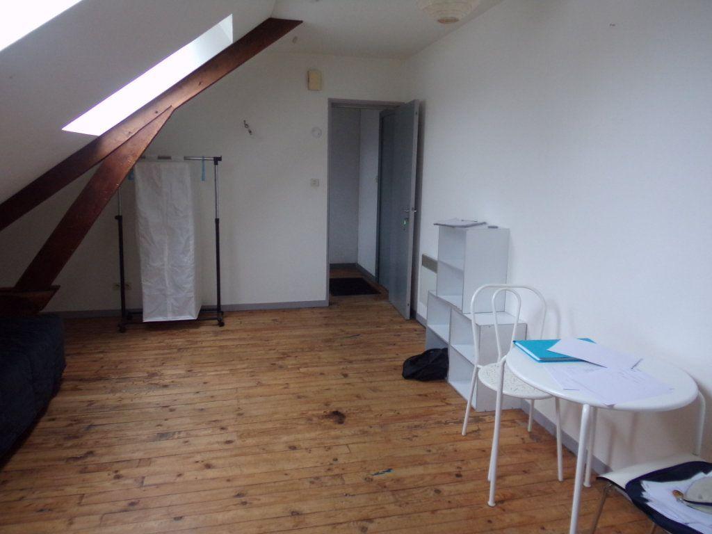 Appartement à louer 1 26m2 à Périgueux vignette-2