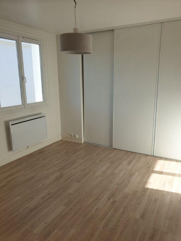 Appartement à louer 3 63.9m2 à Périgueux vignette-1