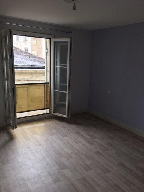 Appartement à louer 3 95m2 à Périgueux vignette-4