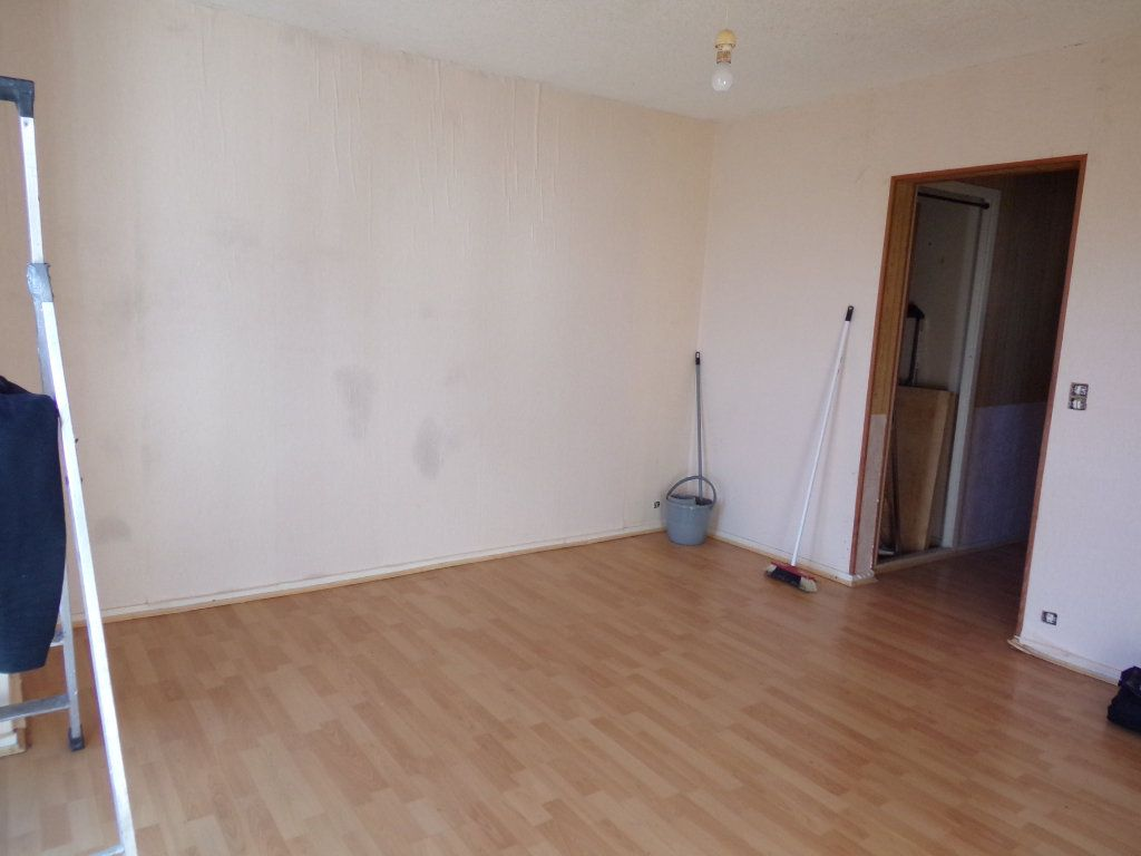 Appartement à vendre 1 30m2 à Périgueux vignette-1