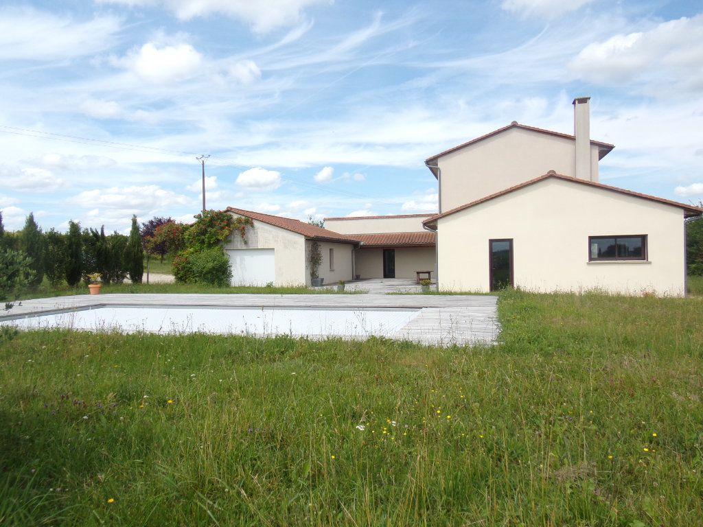 Maison à vendre 7 200m2 à Sorges vignette-9