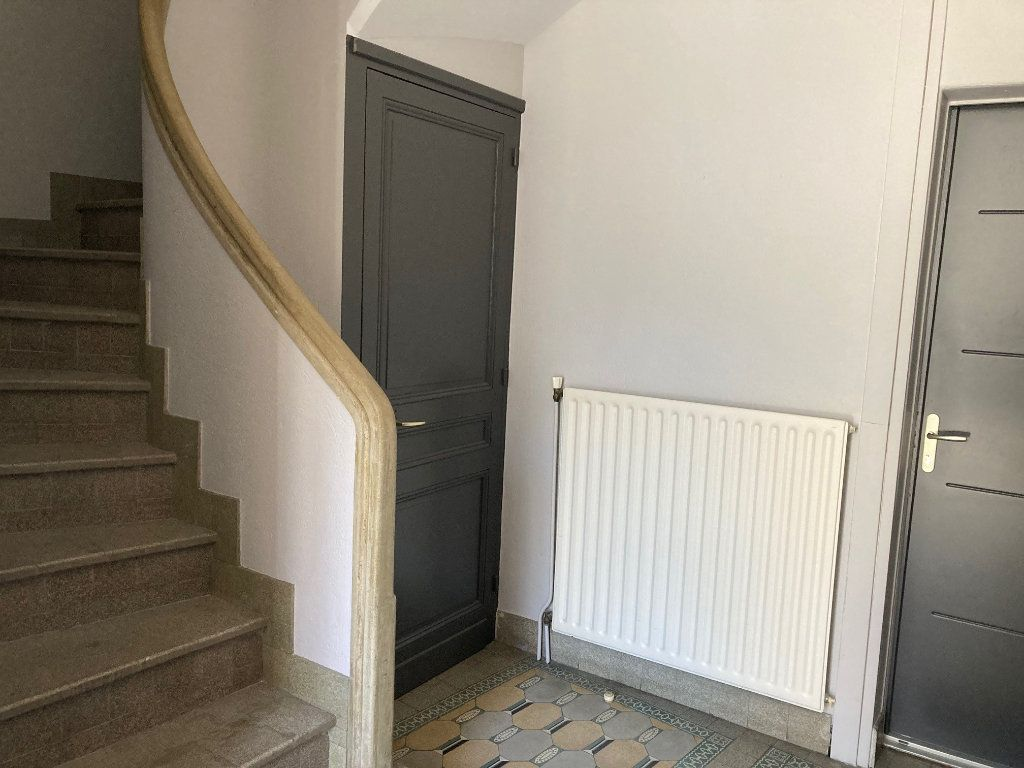Appartement à louer 1 24m2 à Périgueux vignette-6
