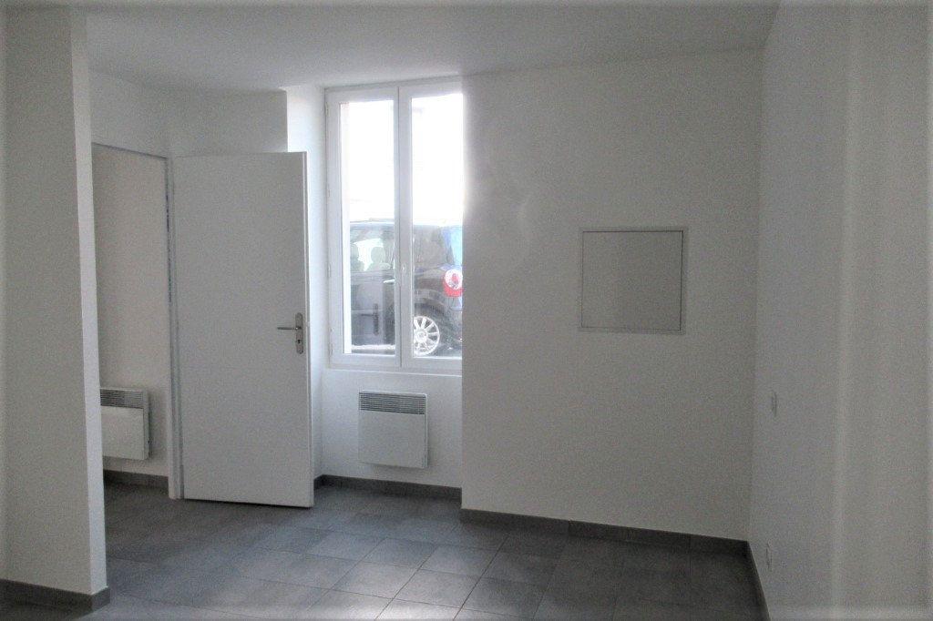 Appartement à vendre 2 47m2 à Périgueux vignette-3