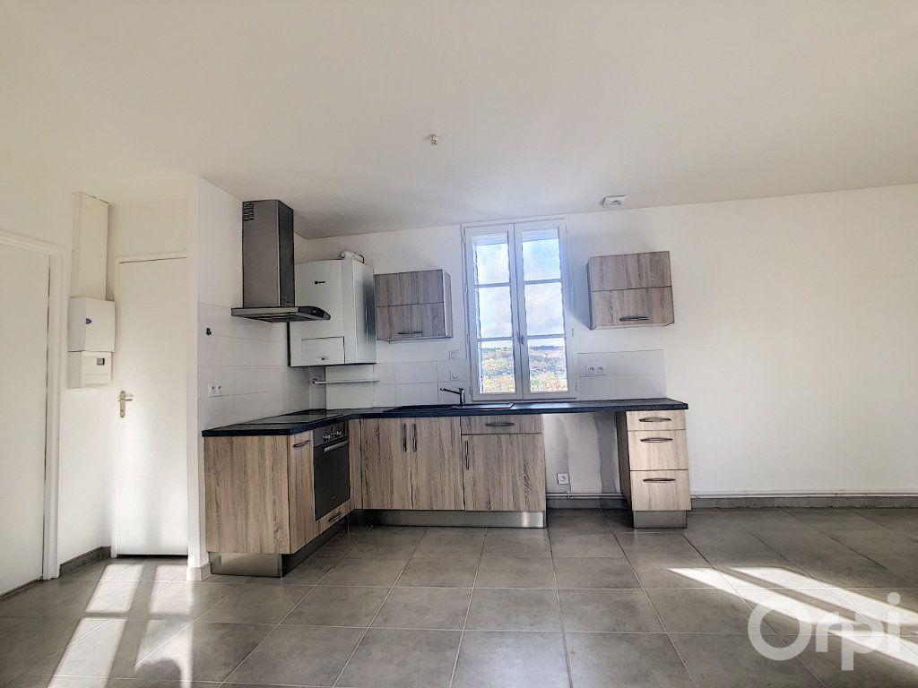 Appartement à louer 3 61.3m2 à Terrasson-Lavilledieu vignette-3