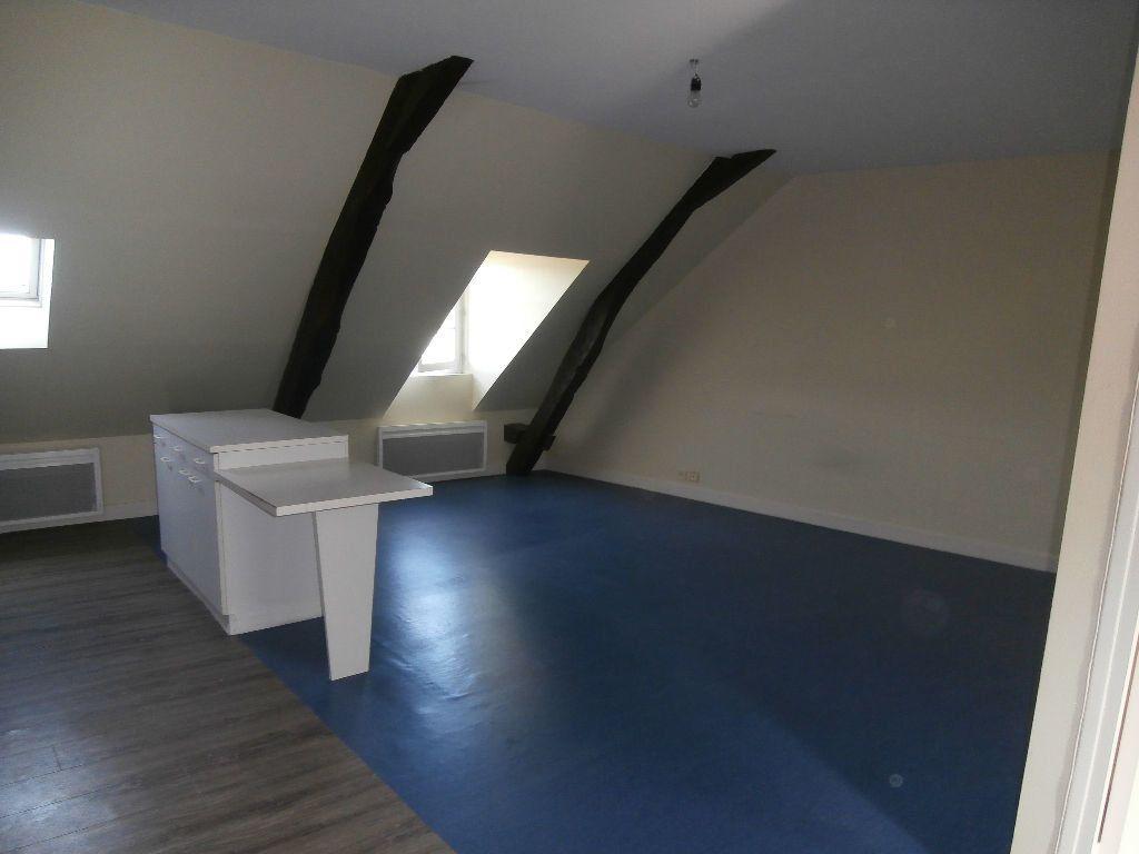 Appartement à louer 2 40m2 à Terrasson-Lavilledieu vignette-2